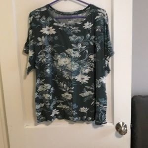 LOFT floral tee with ruffle sleeve